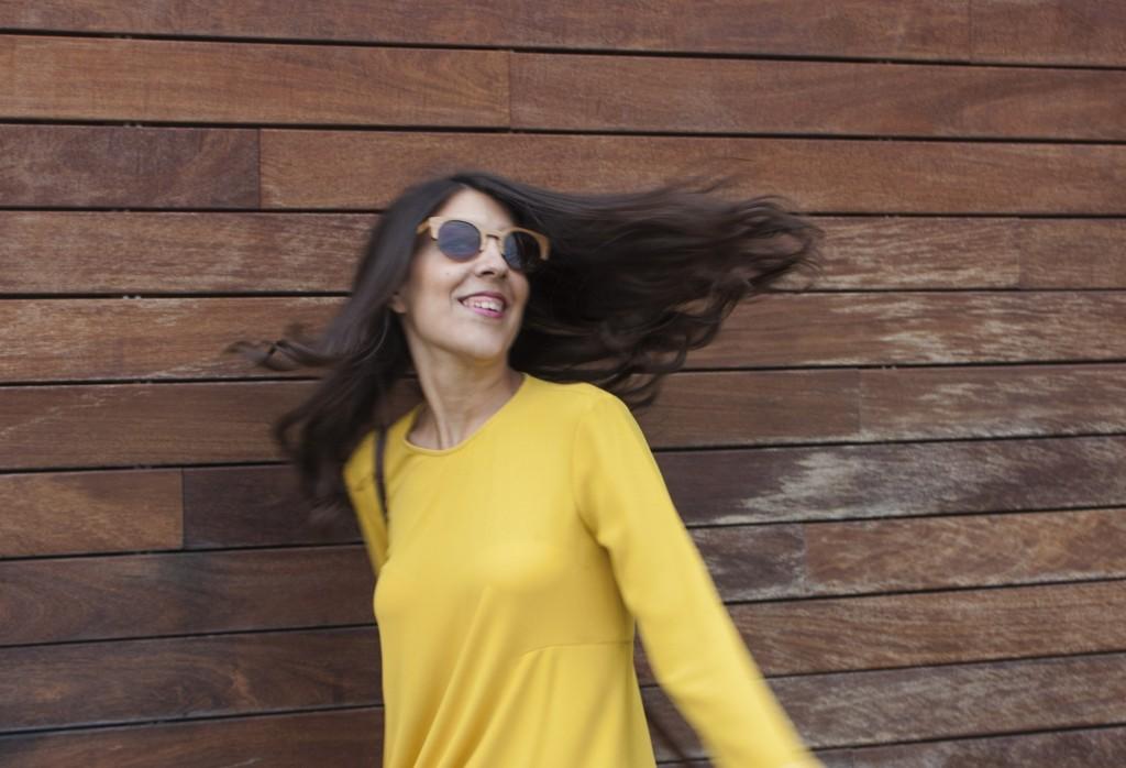 Melena al viento con barros de secretos del agua de atrezzo peluqueria. mercado del puerto de puerto venecia. blog de moda de Zaragoza increible pero cierzo