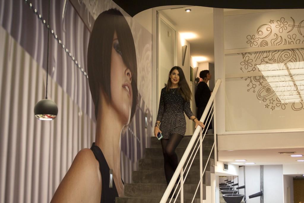 Andrea Martinez blogger de moda de Increible pero cierzo en Atrezzo Peluqueria Zaragoza. Foto Kinojam