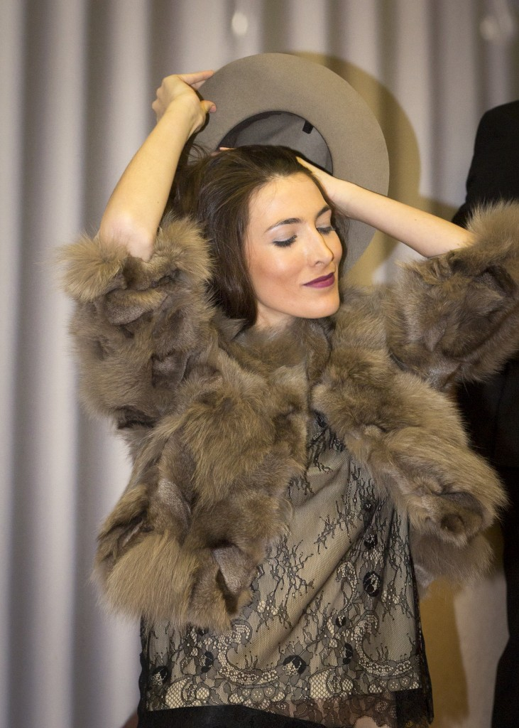 Ana Miguel en el desfile de moda de Galleta Boutique en Atrezzo Peluqueria. Blog de moda y eventos de Zaragoza Increible pero cierzo