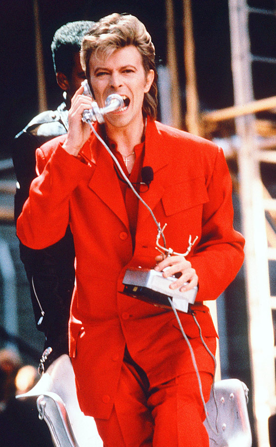 bowie gira La gira Glass Spider (1987). Icono de moda y estilo por el blog de moda increible pero cierzo de laguiago.com