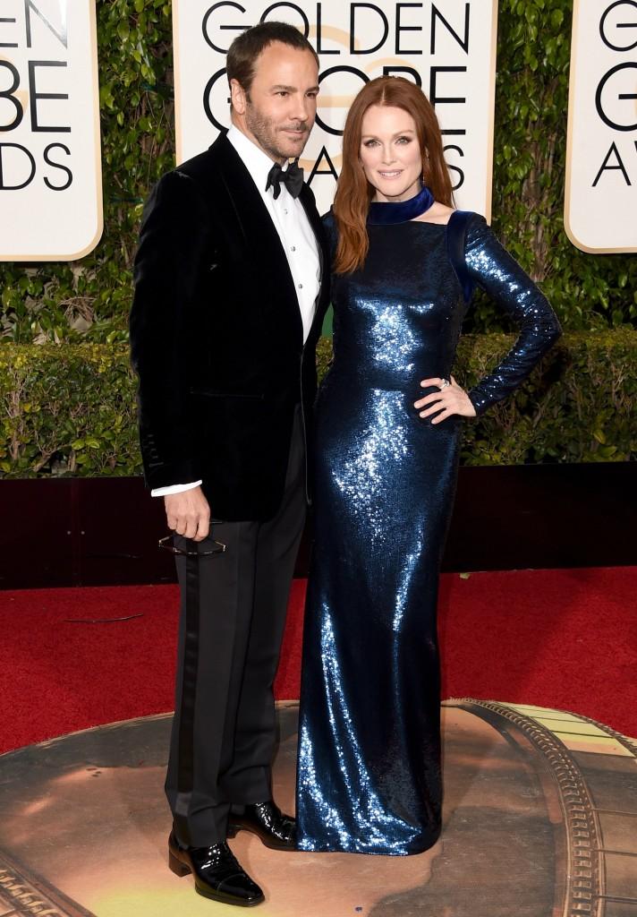 Juliane Moore y Tom ford en la gala de los globos de oro 2016. increible pero cierzo