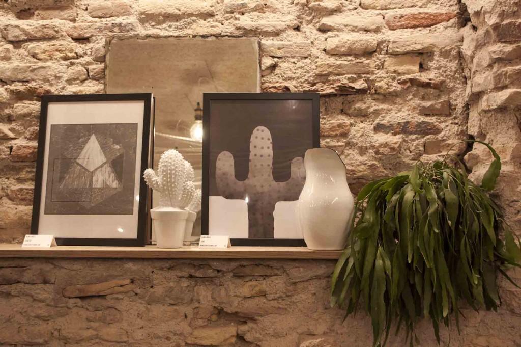 Decoracion nordica e industrial con cactus y ladrillo en el restaurante bonito Sofood de Zaragoza. Increible pero cierzo