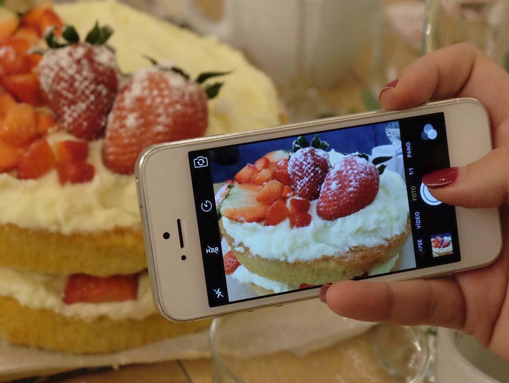 Tarta casera de fresas, mascarpone y bizcocho elaborada por Carmen de Saborea con los ojos para el club de las meriendas molonas. Reportaje en el blog de Zaragoza Increible pero cierzo