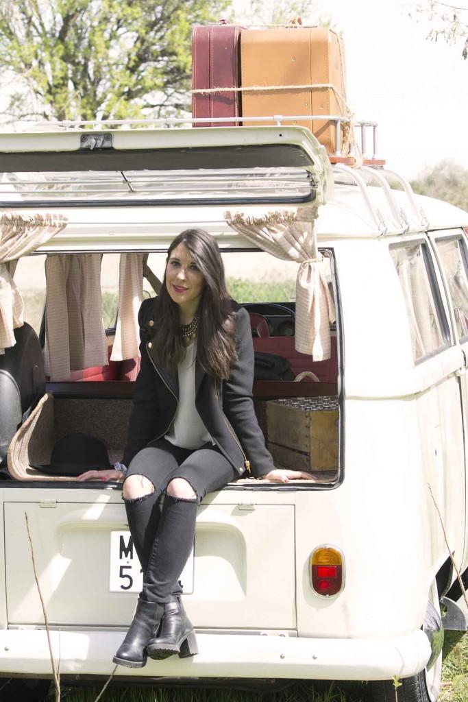 Sesión de fotos con la furgoneta retro Zaragoza de estilo hippie Volkswagen T1 de 1970 eventos Zaragoza en el blog increible pero cierzo de laguiago