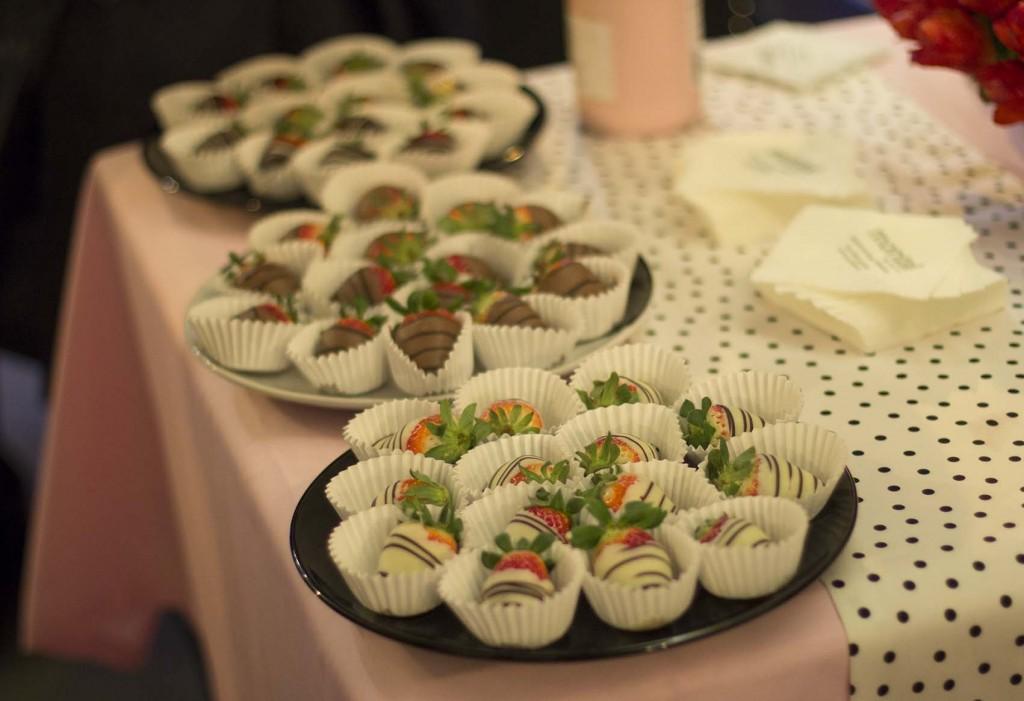 Fresas con cobertura de chocolate de Kachonwaa Zaragoza en evento Montal por el blog de Zaragoza increible pero cierzo