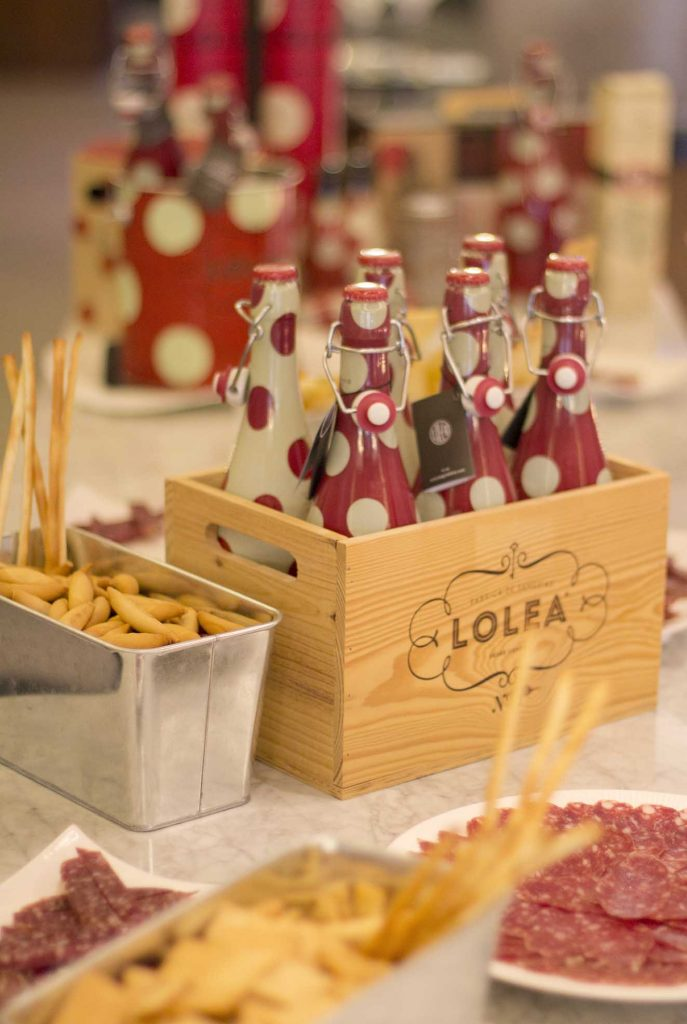 Aperitivo sangria Lolea y embutido Cara Riera Ordeix en Montal Gourmet Zaragoza por el blog lifestyle increible pero cierzo