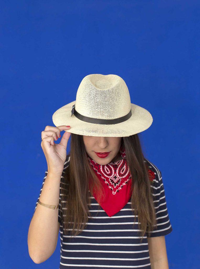 moda de las bandanas en el cuello en el blog de moda increible pero cierzo