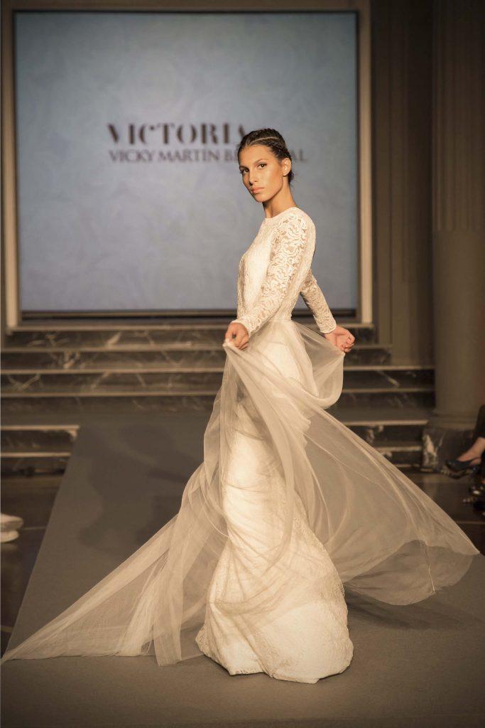 Desfile moda nupcial Victoria by Vicky Martin Berrocal en Gran Hotel Zaragoza por el blog de moda increible pero cierzo