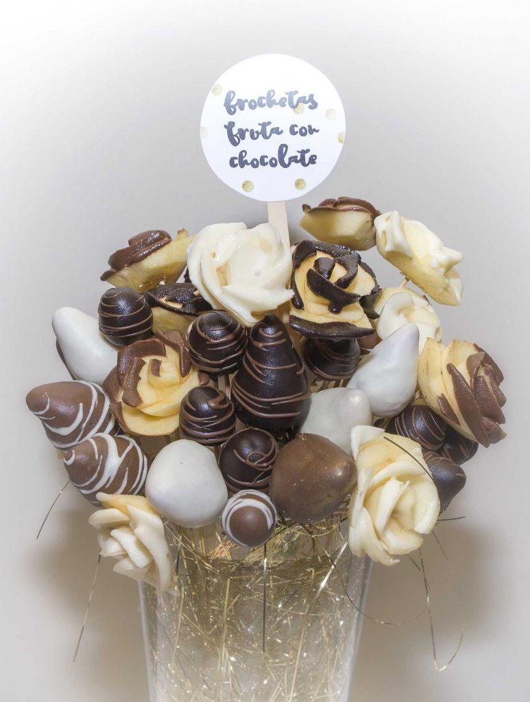 30 cumpleaños Los Girasoles Zaragoza con centro de frutas con chocolate de Arte a Bocados en el blog de lifestyle increíble pero cierzo