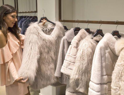 Andrea Martinez, influencer de Zaragoza, en la Telva Shopping Xperienze Zaragoza en la tienda Pablo Ferrer Trendy Furs de Zaragoza