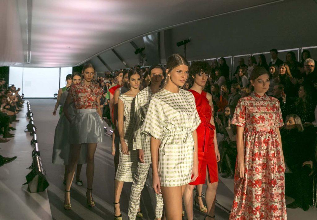 Desfile Bee Lion Fashion Runway 2017 Zaragoza con 2nd Lab en el blog de moda increíble pero cierzo