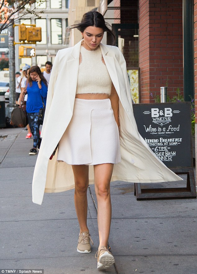 Kendall Jenner nike streetstyle incredible pero cierzo