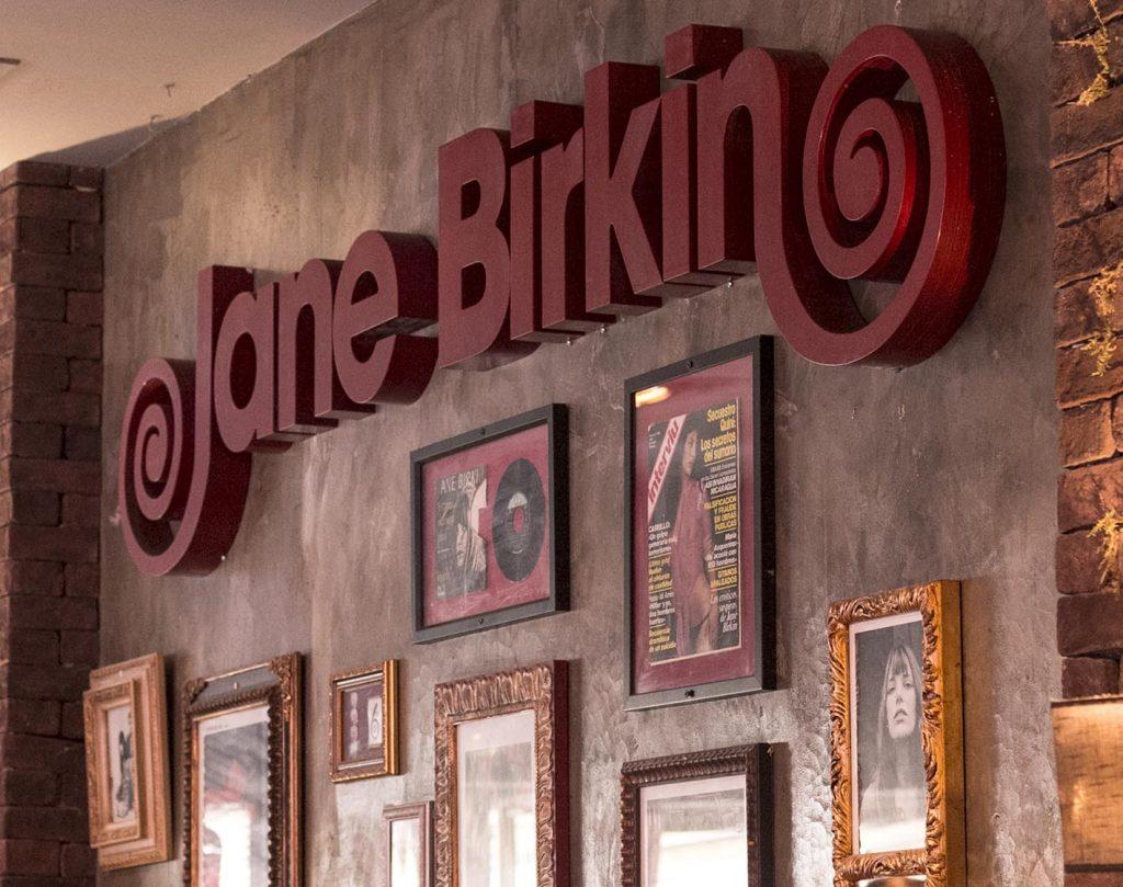 Jane Birkin Zaragoza. Reapertura tras las reformas con nuevo espacio de coctelería. Increíble pero cierzo