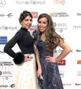 look de increible pero cierzo premios forque 2019 con falda de tul de Marina Criado y diadema de Cruz Temprado