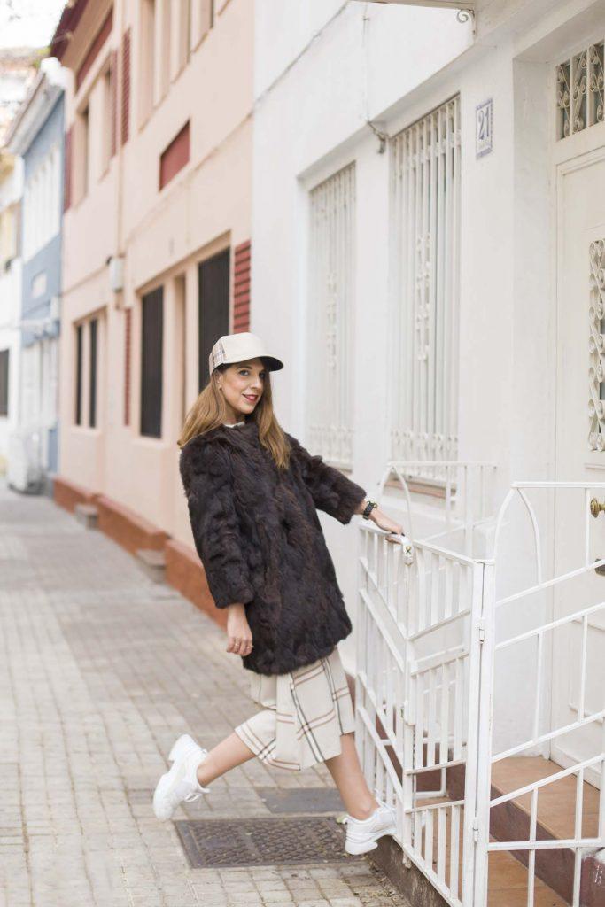 Look con estampado de cuadros de tendencia de moda 2019. Increibleperocierzo