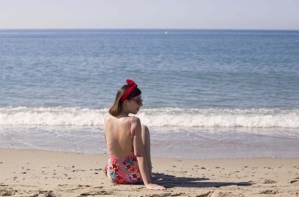 Bañador de Primeriti El Corte Ingles. Look de playa de increíble perro cierzo